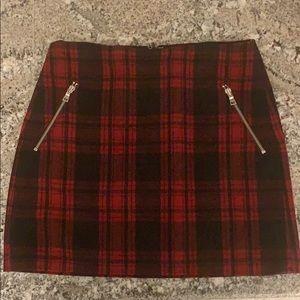 Beautiful Woman's Gap Plaid Skirt 🎀